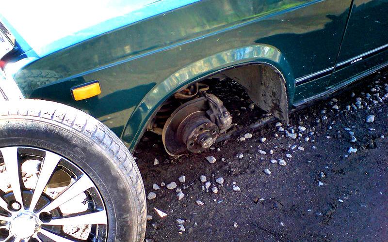 Очень необычный угон — преступник захватил на дело колеса