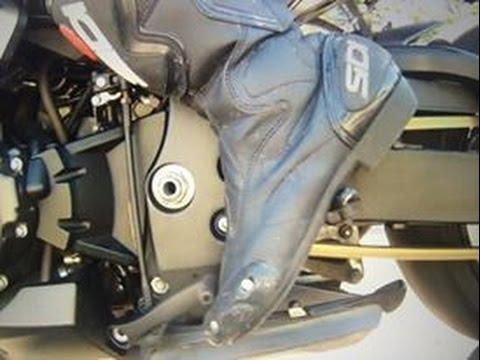Как переключать передачи на мотоцикле?