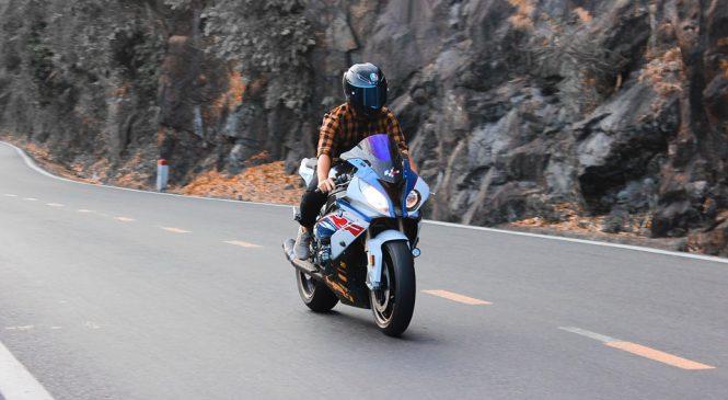 Преимущества мотоциклетного шлема: как ими воспользоваться