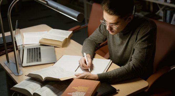 Что лучше: написать или заказать кандидатскую диссертацию?